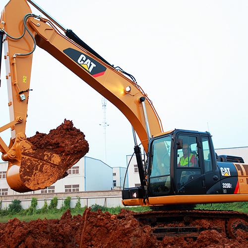Hydraulic-Track-Excavator-with-Breaker